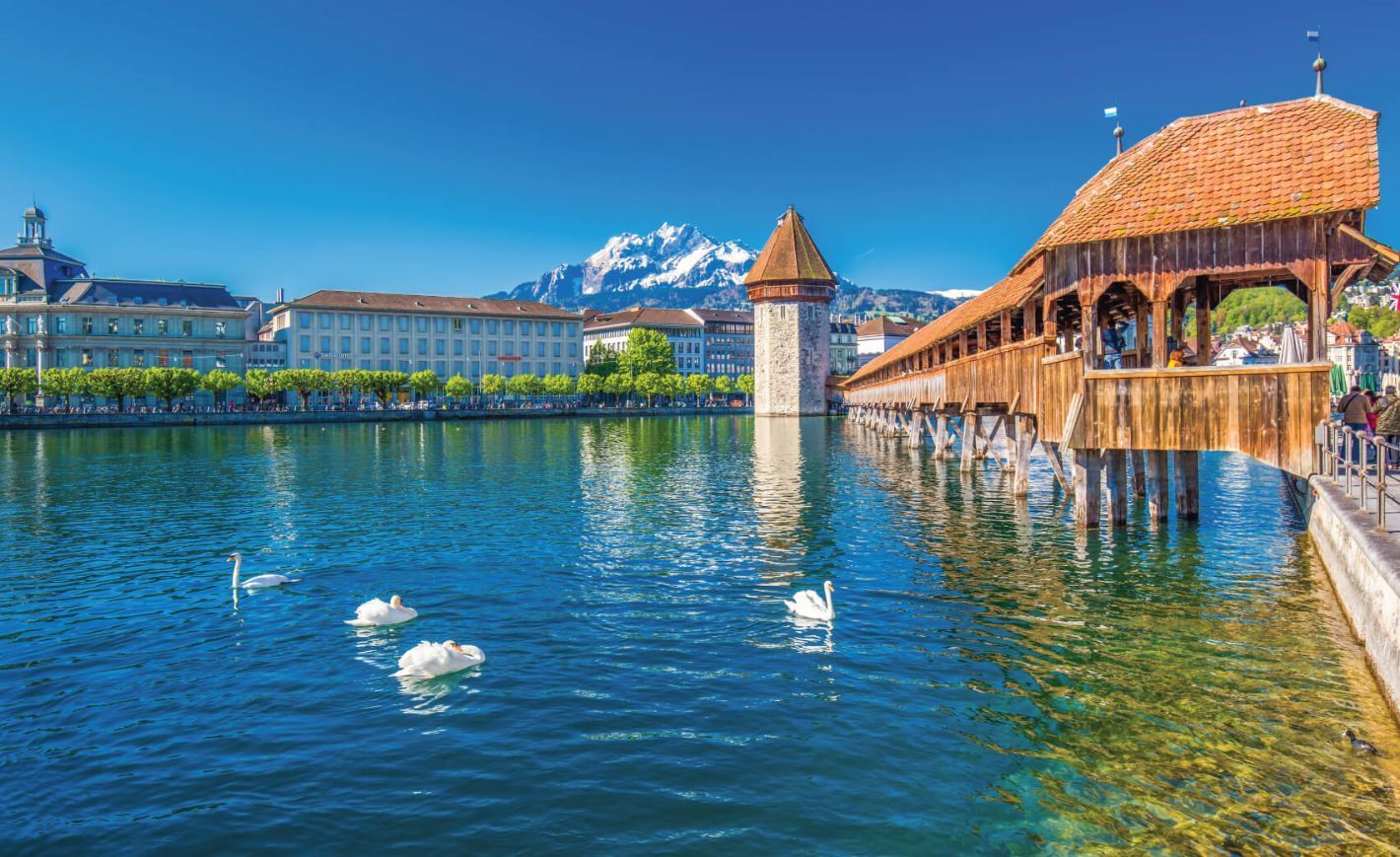 Historic city center of Lucerne with famous Chapel Bridge and lake Lucerne (Vierwaldstattersee)
